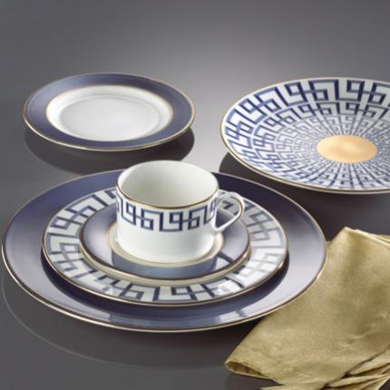 Lenox's Darius table setting in indigo and gold. Photo courtesy of Gluckstein Home.